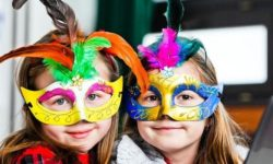 Kids dressed for Mardi Gras