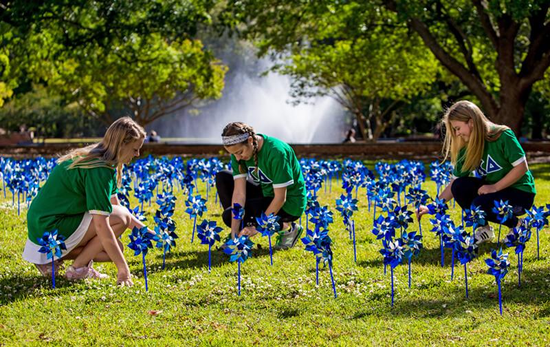 Kappa-Deltas-at-USC-planting-pinwheels-with-water-fountain-2018